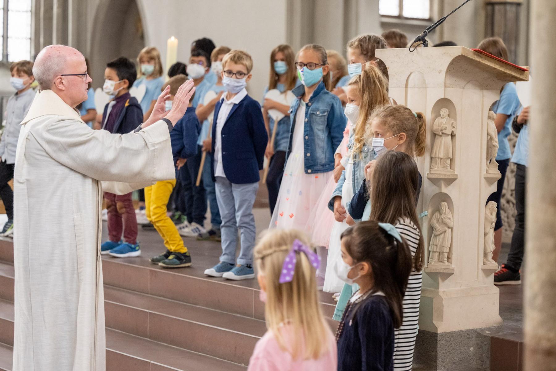 Grundschule Edith Stein -   Einschulung 2021, Aegiedien Kirche Braunschweig am 04.September 2021.