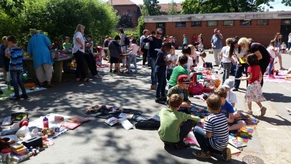 Sommerfest, Schulhofflohmarkt für soziale Projekte