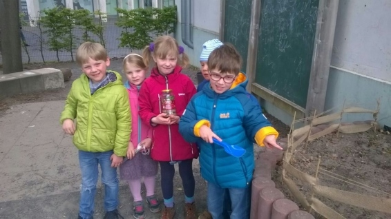 Regenwurmprojekt, im grünen Klassenzimmer
